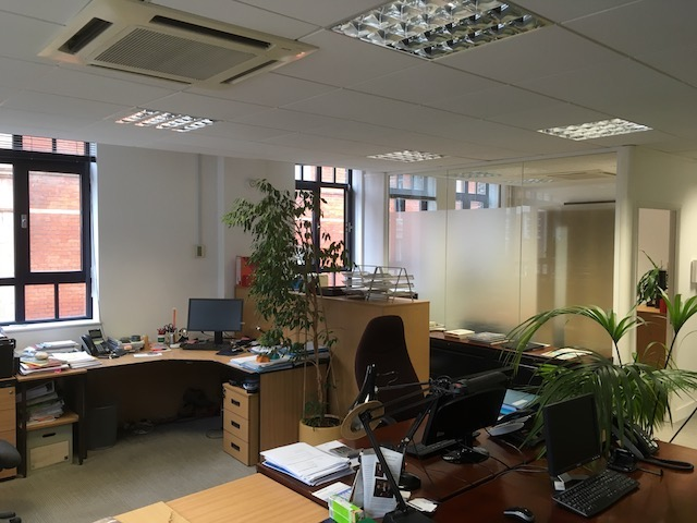 Small Covent Garden Office          UNDER OFFER