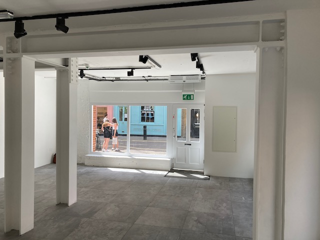 Prime Covent Garden Retail Unit To Let on a New Lease